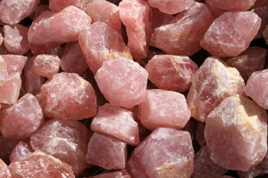 rose-quartz-rough