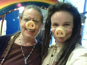Wren & Rita Jane, pig noses