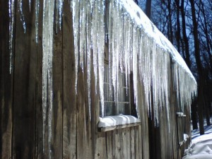 snowstorm, icicles, rear of Hina Hanta, angle